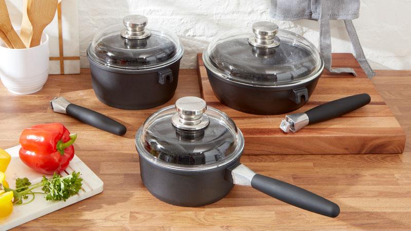 Saucepans and Sauce Pot